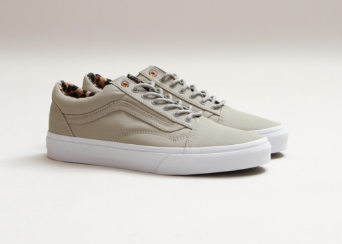VANS got it right again with these reissue of the OLD SKOOL